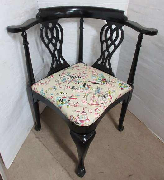 Solid Wood Antique Corner Chair