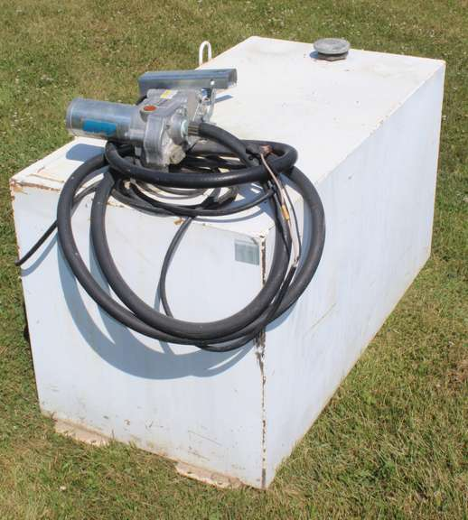 100-Gallon Fuel Tank with 12 Volt Pump Included