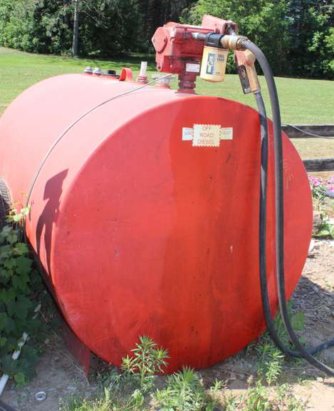 500-Gallon Fuel Tank with 110 Volt Pump Included