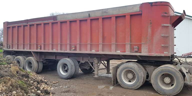 1976 Summit 34' Steel Dump Trailer, Quad Axle, 9' Spread, Average Condition for Age, Clean and Clear Title