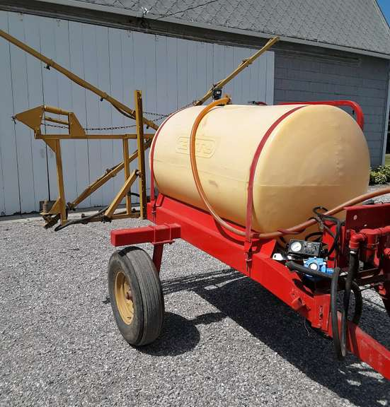 Century Sprayer, 300-Gallon, 30' Boom, New Hypro Pump with Control Gauge, Always Housed, Excellent Condition