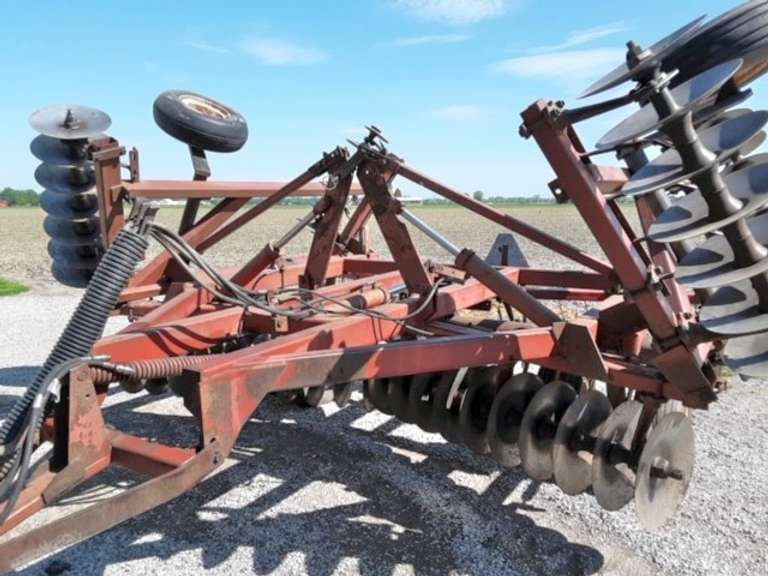 "International Harvester 490 24' Disk, 19"" Blades, Heavy Duty, Always Housed, Good Condition"