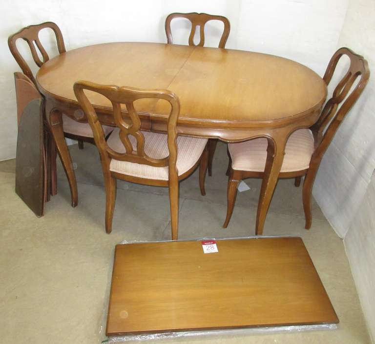 Table with (2) Leaves and (4) Chairs, Matches Lot No. 27