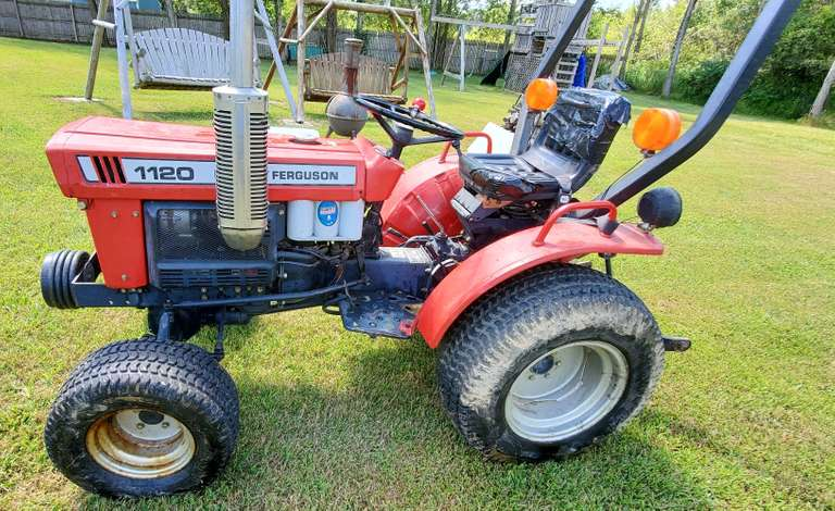 Massey-Ferguson 1120 Tractor, (615 Hours), 3-Cylinder Diesel Engine, PTO, 3-Point, Runs Great