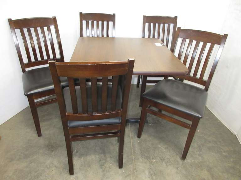 Table and (5) Chairs