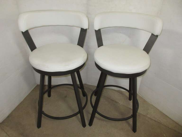 (2) Swivel Bar Stools