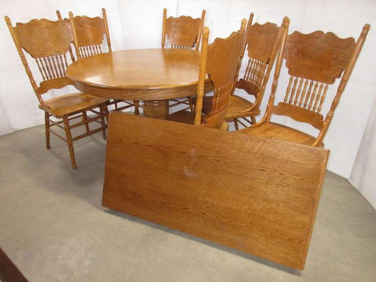 Oak Table and (6) Chairs