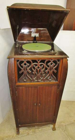 Antique Brooks Repeating Phonograph, Made by Brooks Mfg. in Saginaw, MI