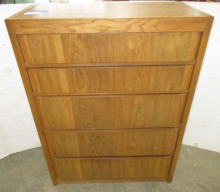 Thomasville Five-Drawer Dresser with Dovetail, Matches Lot No. 13