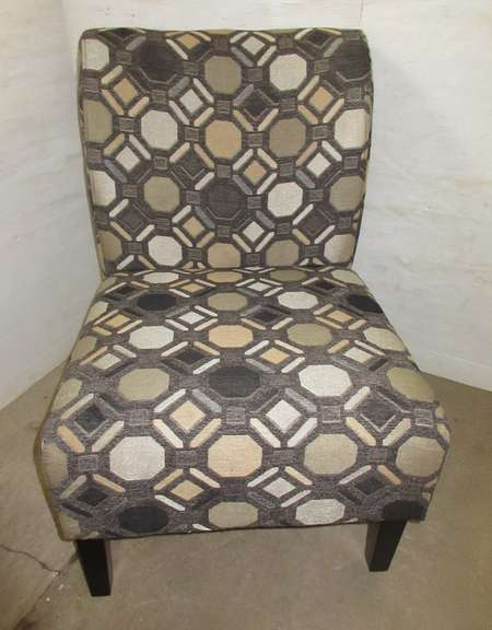 Ashley Furniture Geometric Designed Living Room Accent Sitting Chair