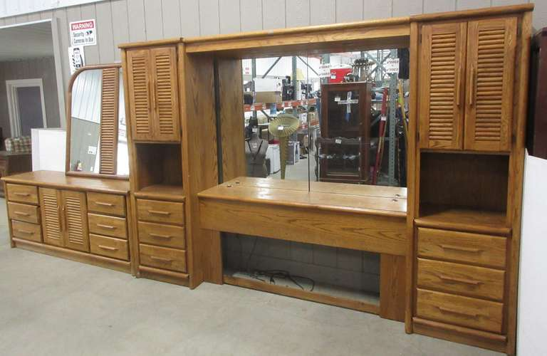 Albrecht Auctions Queen Size Wood Bedroom Set Includes Lighted Wall Unit Headboard With Two Cabinets Mirrors And Shelf Overall 110 W X 18 D X 78 H Dresser 71 W X 18 D X 30 H Wall