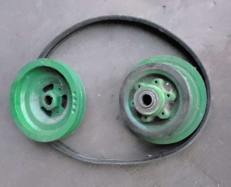 John Deere Accelerator Slow Down Pulley and Belt, Fit 50/60/70 Series Combines