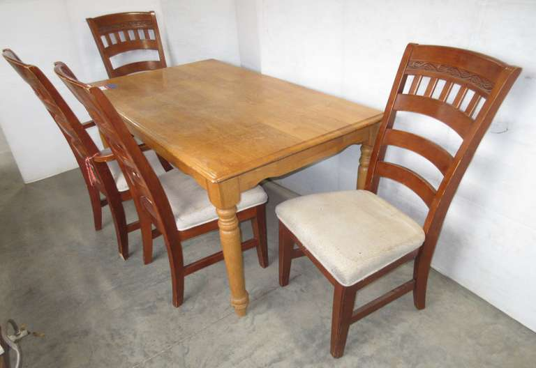 Hardwood Table with (4) Chairs