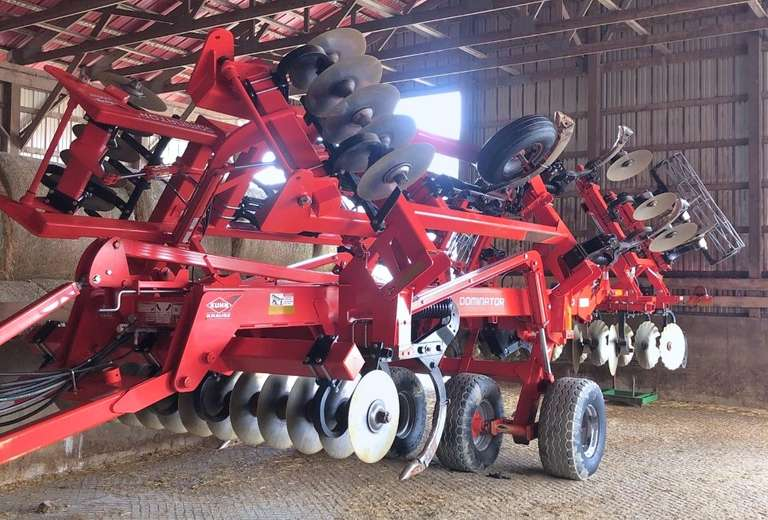 "2014 Kuhn Krause 4850 Dominator 11-Shank Disc Ripper, 360/17.5 Tires, Front Discs are 21.5"" and Rear Discs are 22.5"", Guardian Hitch"