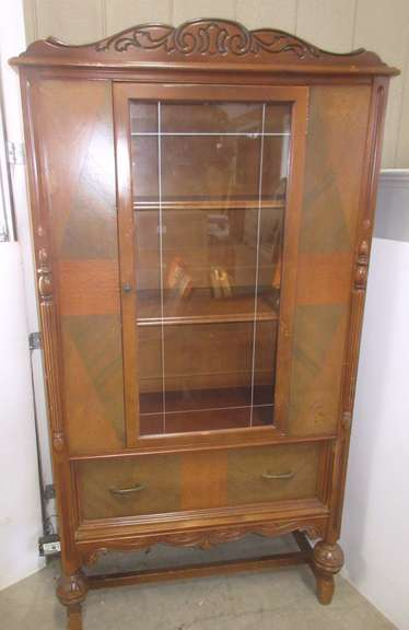 Older China Cabinet/Hutch with Inlaid Wood
