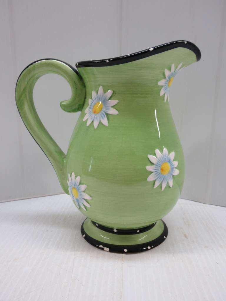 Older Daisy Pitcher