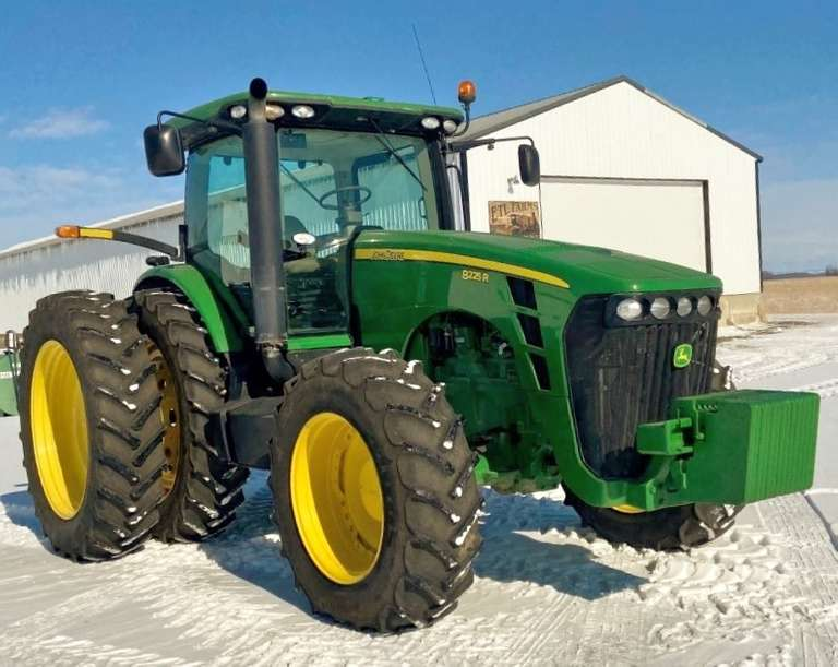 2010 John Deere 8225R Tractor, MFWD, (4220 Hours), Powershift Transmission, 5-SCV, Active Seat, Premium Lighting, Auto Track Ready, 1000/540 PTO, 480/80R50 Tires at 80%