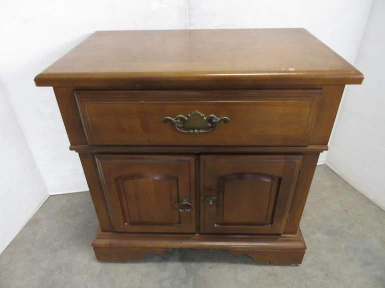 Small Dark Wood Nightstand/End Table with Single Drawer and Bottom Storage Area