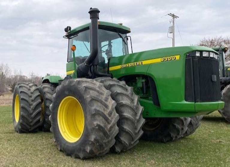 1998 John Deere 9300 Tractor, (9106 Hours, Engine Rebuilt with Only 1700 Hours), New Alternator and AC, Runs Great