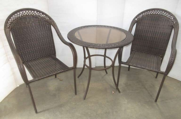 Outside Table with Removable Glass Top and (2) Matching Chairs