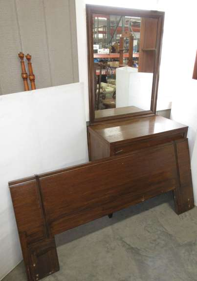 Solid Wood Mid-Century Three-Drawer Dresser with Mirror and Queen Headboard, Has Dovetail Drawers