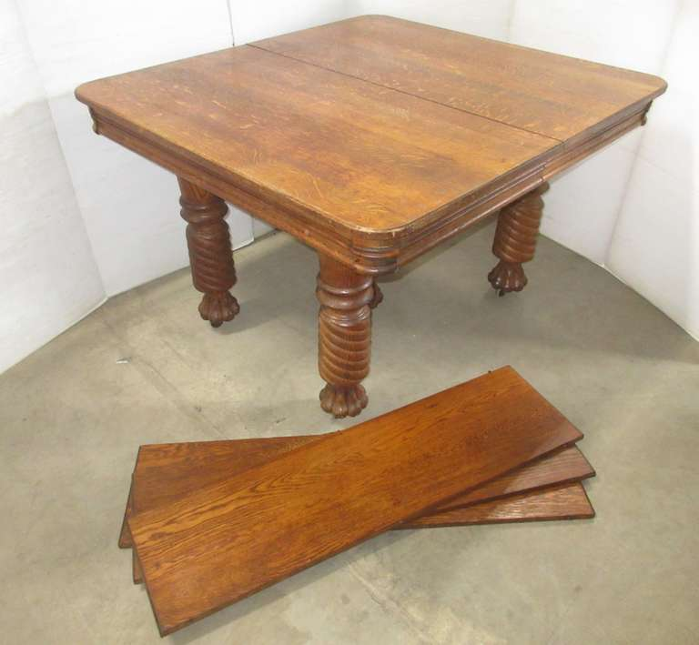 Oak Table with (3) Leaves