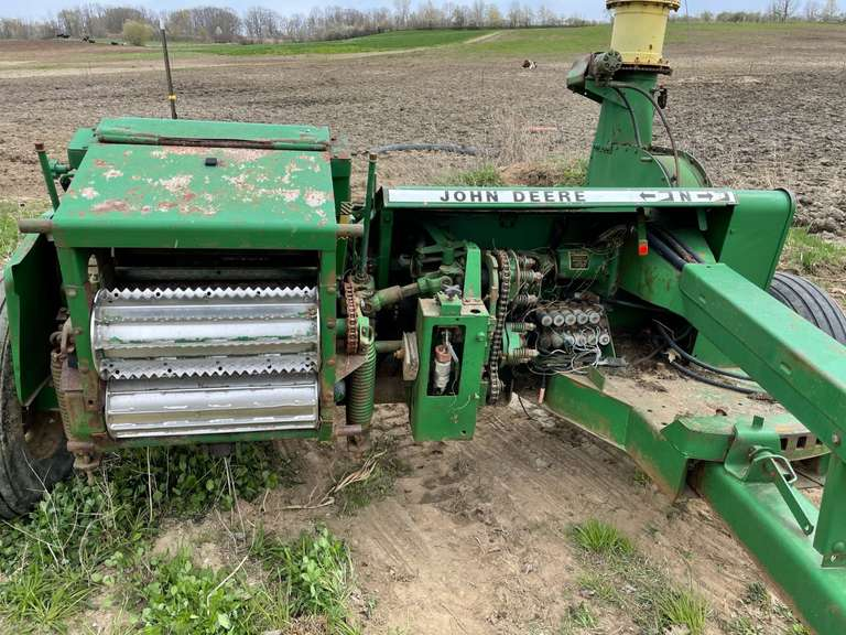 John Deere 3970 Chopper with 2-Row Corn Head, Long Tongue with Electric Controls, Knives and Stationary are Not that Old, Cross Auger Pan is Bad, Kept to Use as Backup but No Longer Needed