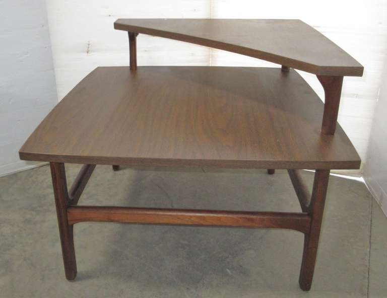 Mid-Century Modern Corner Table with Wood Legs and Risers